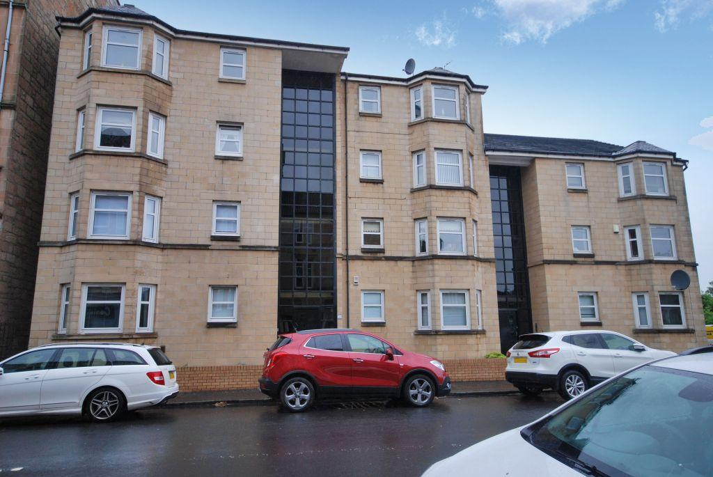 2 Bedrooms Flat for sale in 3/2, 56 Old Castle Road, Cathcart, Glasgow, G44 5TE