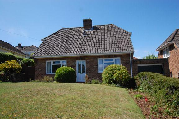 2 Bedrooms Detached House for sale in Alcombe