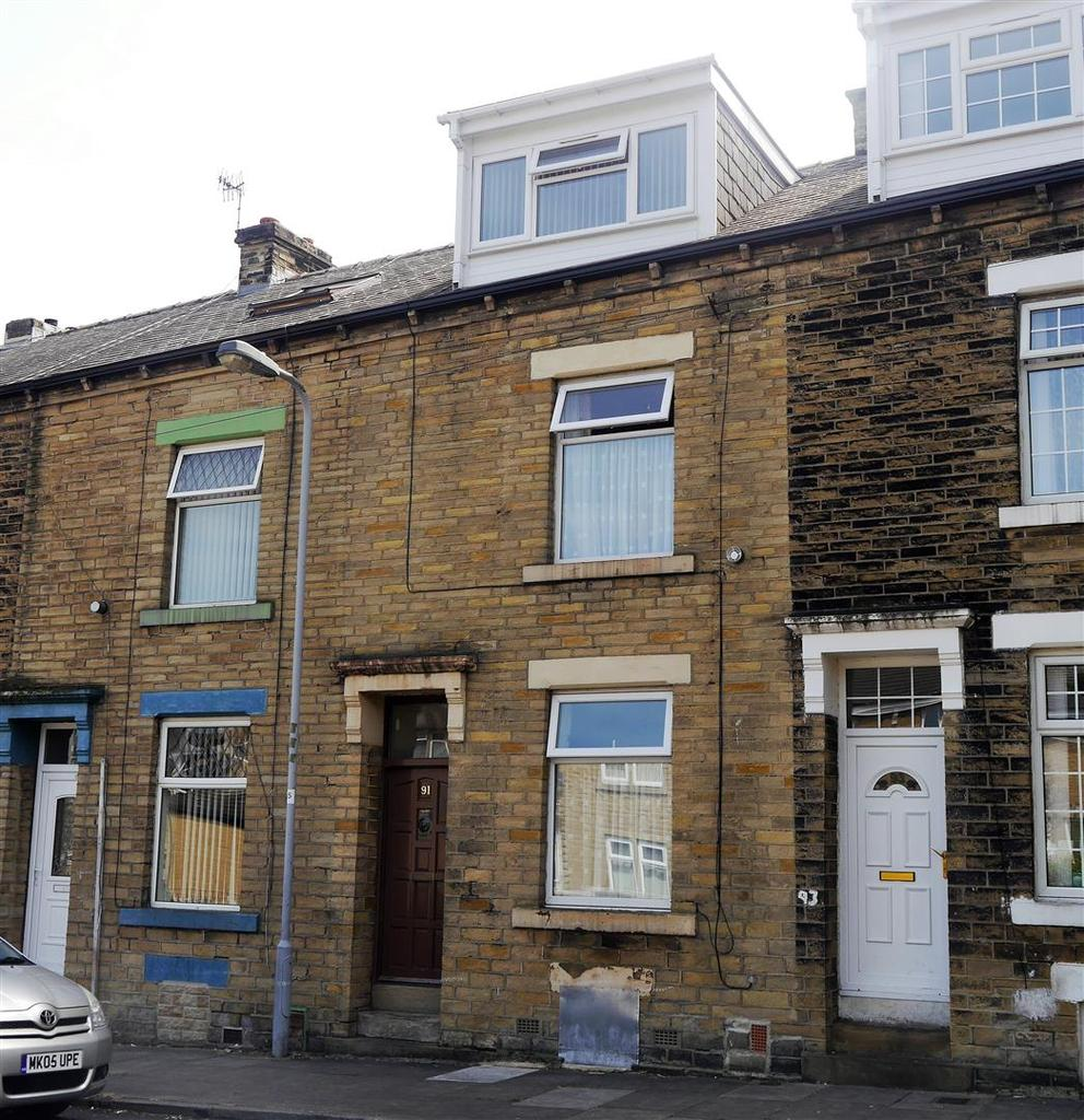 4 Bedrooms Terraced House for sale in Tichborne Road West, Marshfields, Bradford, BD5 8AN