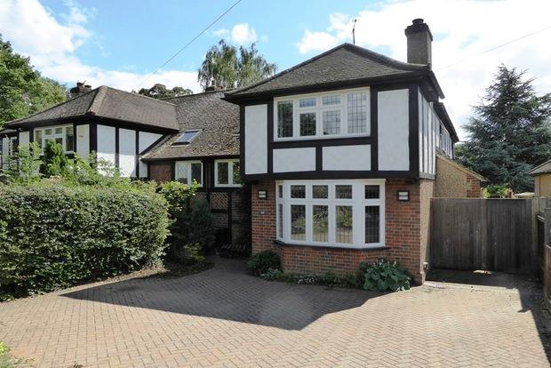 4 Bedrooms Semi Detached House for sale in Piggottshill Lane, Harpenden, AL5
