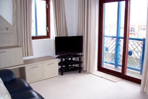 2 bedroom apartment to rent - Abernethy Quay, Marina, Swansea, SA1 1UF