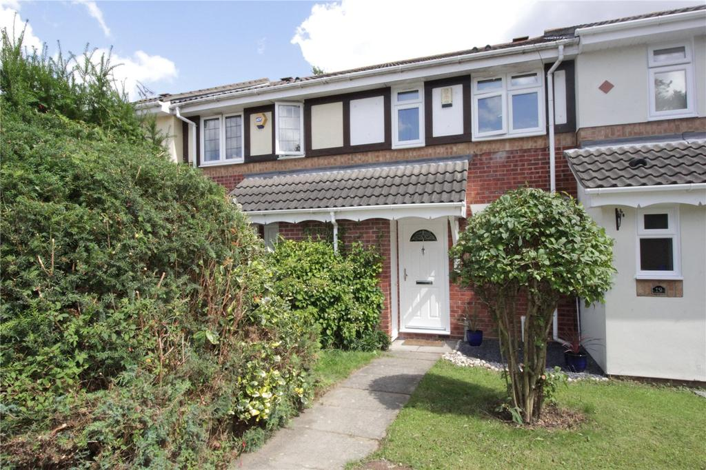 2 Bedrooms Terraced House for sale in Cambridge Close, Langdon Hills, Essex, SS16