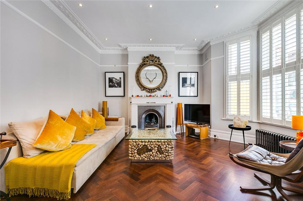 4 Bedrooms Terraced House for sale in Mysore Road, Battersea, London
