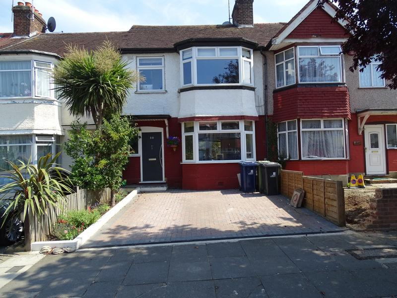 4 Bedrooms House for sale in Huxley Gardens, London