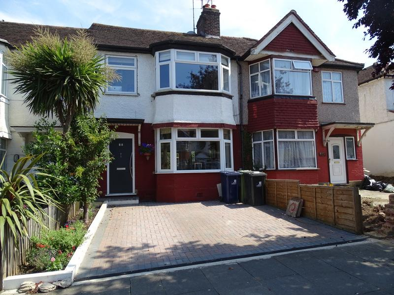 4 Bedrooms House for sale in Huxley Gardens, Ealing