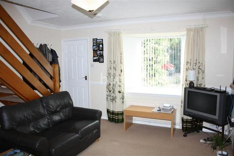 2 bedroom semi-detached house to rent - Woodvale Avenue