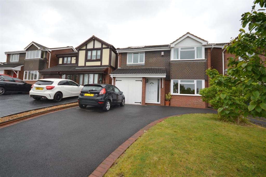 4 Bedrooms Detached House for sale in Longclough Lane, Waterhayes, Newcastle
