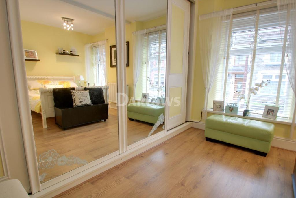 2 Bedrooms Terraced House for sale in Abercynon Road, Abercynon