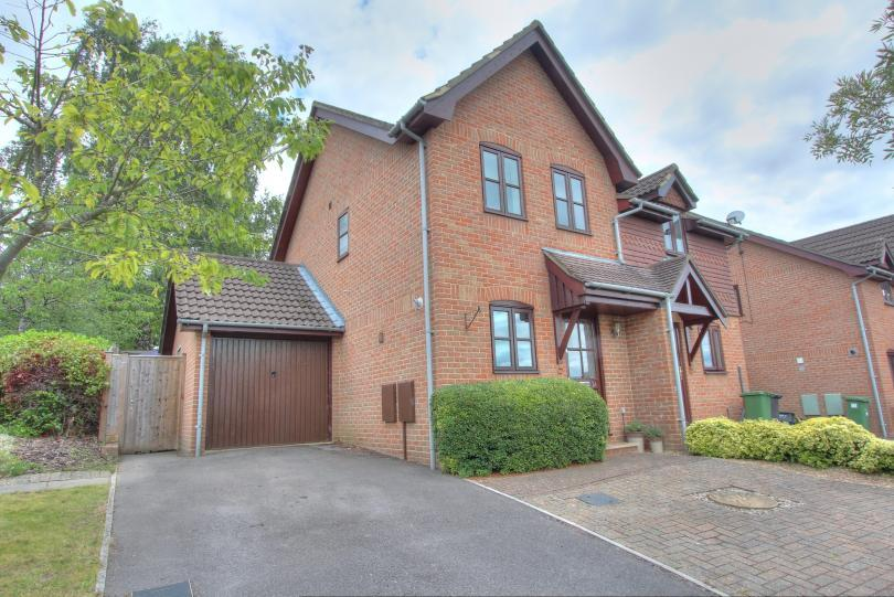 2 Bedrooms Semi Detached House for sale in Coach Hill Close, South Millers Dale, Chandlers Ford