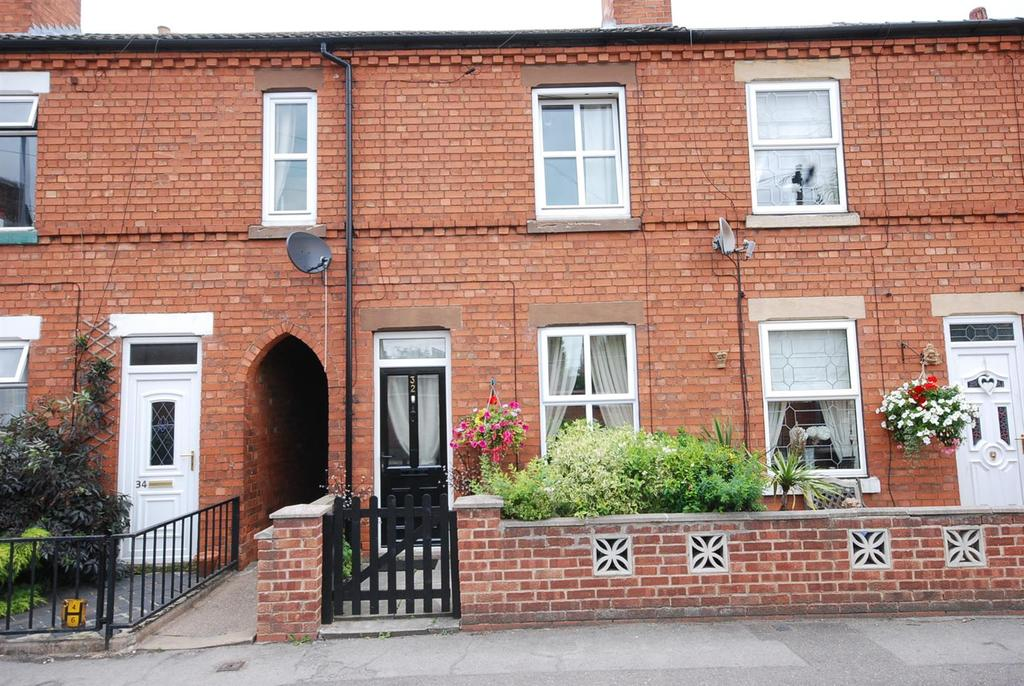 3 Bedrooms Terraced House for sale in Warburton Street, Newark