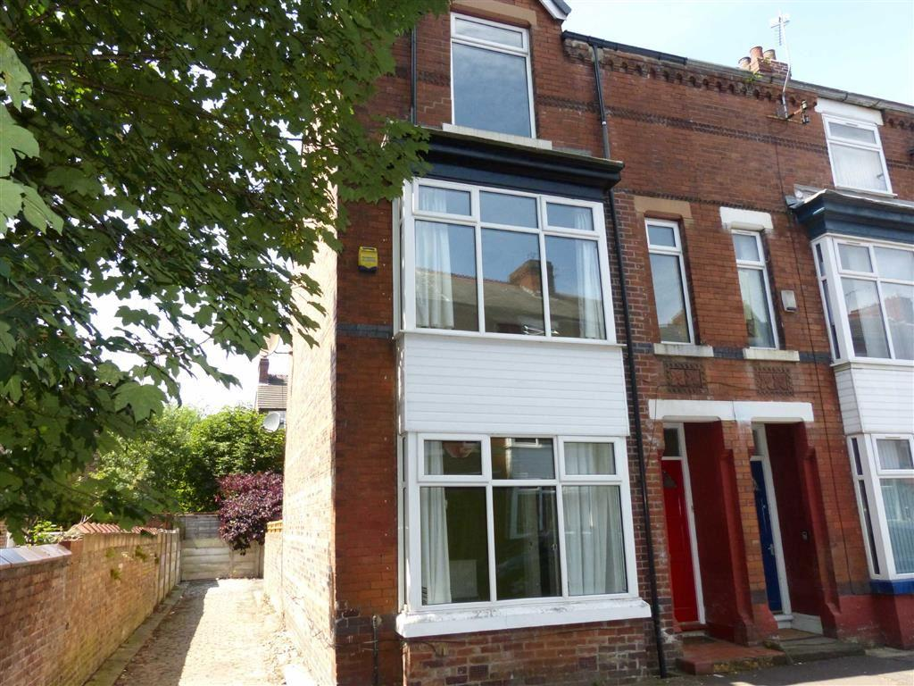 4 Bedrooms End Of Terrace House for sale in Wellington Avenue, Whalley Range