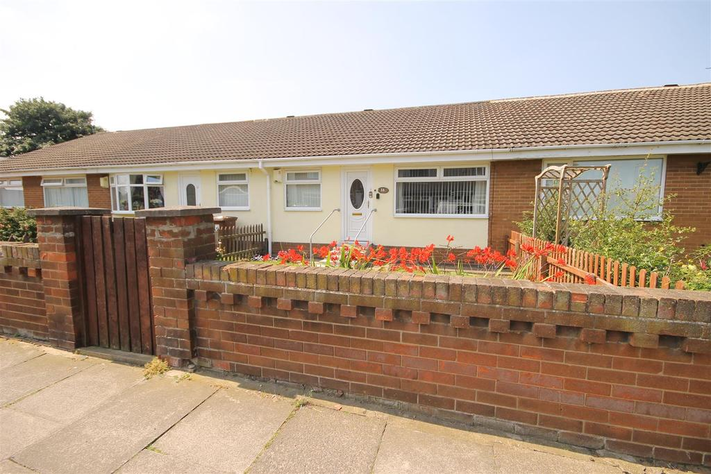 2 Bedrooms Terraced Bungalow for sale in Milbank Road, Hartlepool