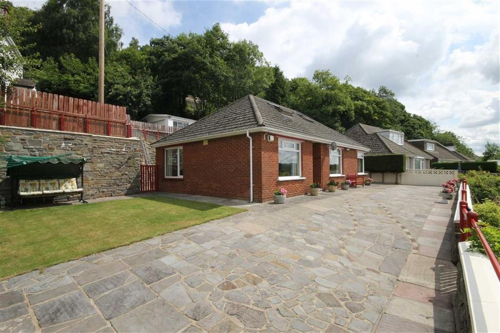 2 Bedrooms Detached Bungalow for sale in Park Lane, Treharris, CF46