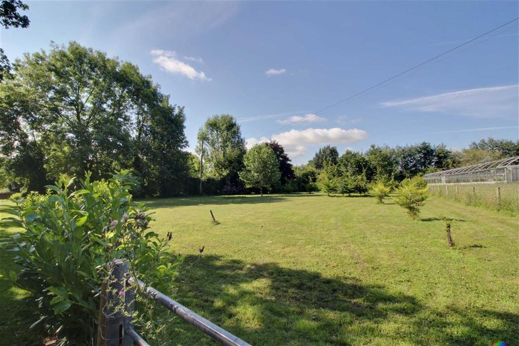 Land Commercial for sale in Southend Lane, Newent, Gloucestershire