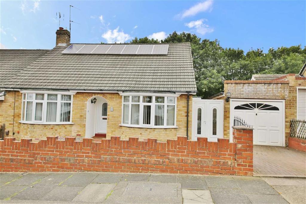 2 Bedrooms Semi Detached Bungalow for sale in Hipsburn Drive, Barnes, Sunderland, SR3