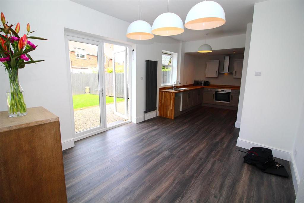 3 Bedrooms House for sale in St. Johns Terrace, North Shields