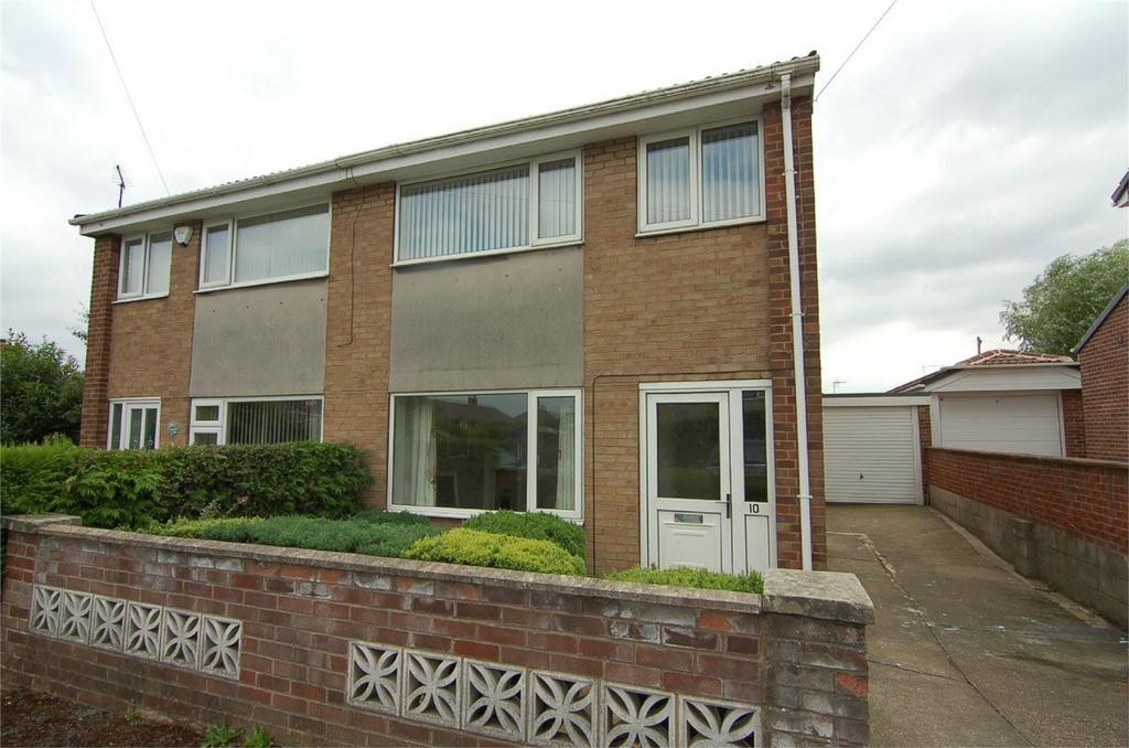 3 Bedrooms Semi Detached House for sale in Highwood Close, Darton, BARNSLEY, South Yorkshire
