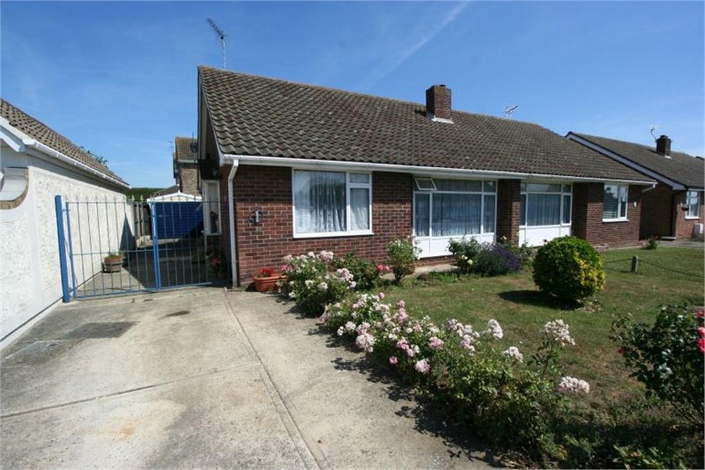 2 Bedrooms Semi Detached Bungalow for sale in Beechcroft Avenue, Kirby Cross, FRINTON-ON-SEA, Essex
