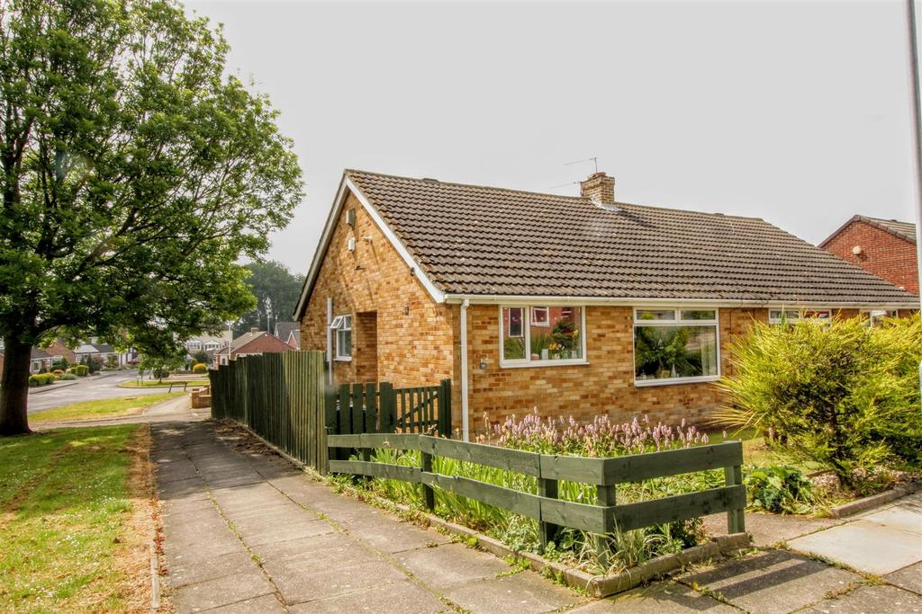 2 Bedrooms Semi Detached Bungalow for sale in Sussex Way, Darlington