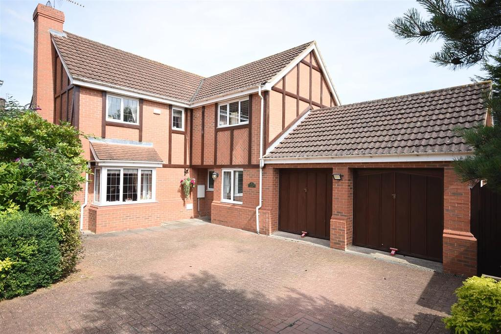 5 Bedrooms Detached House for sale in Yew Tree Close, Kettering