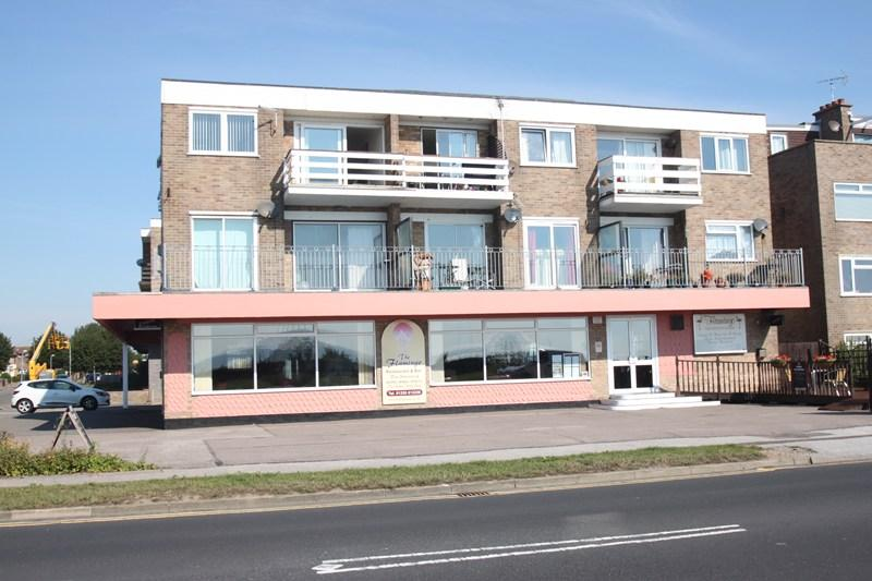 2 Bedrooms Flat for sale in Kings Parade, Holland-On-Sea, Clacton-On-Sea