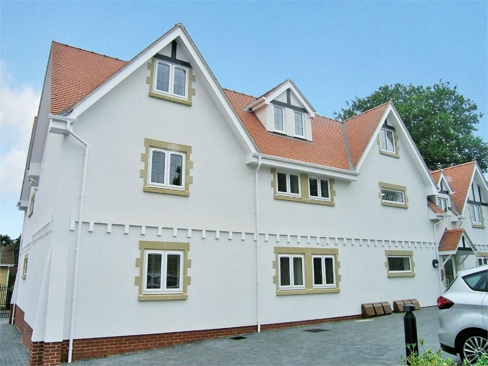 2 Bedrooms Flat for rent in The Retreat, The Chantry, Llandaff