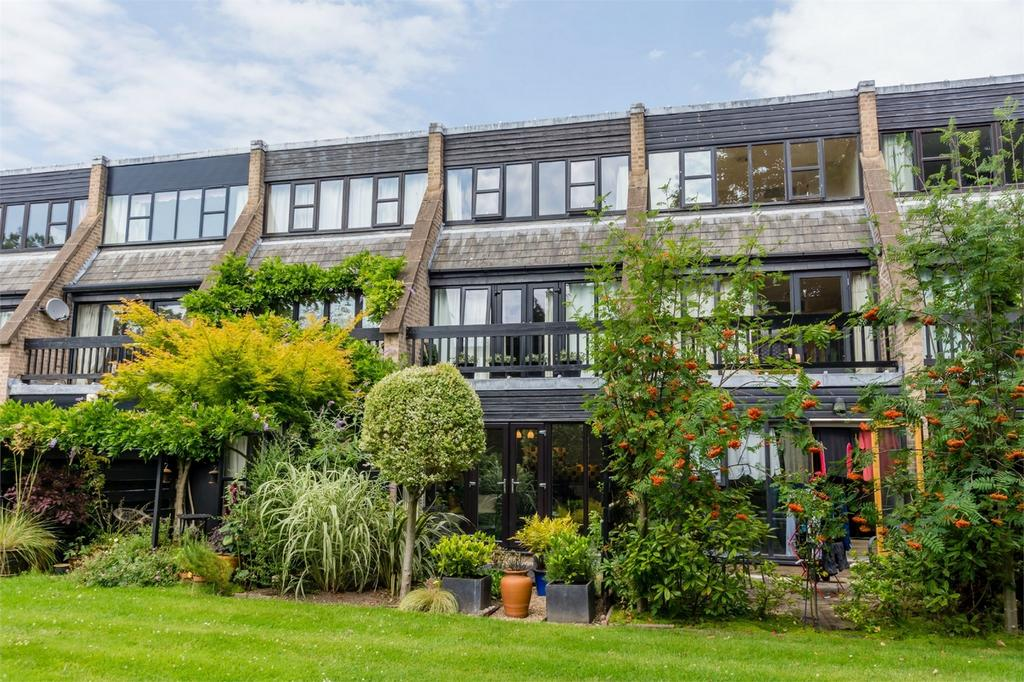3 Bedrooms Town House for sale in Ouse Lea, Shipton Road, York