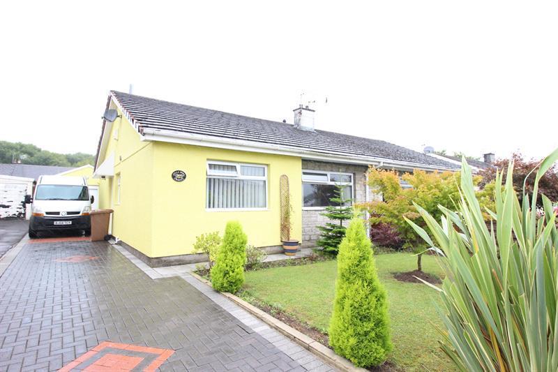 2 Bedrooms Semi Detached Bungalow for sale in Hazel Grove, Caerphilly