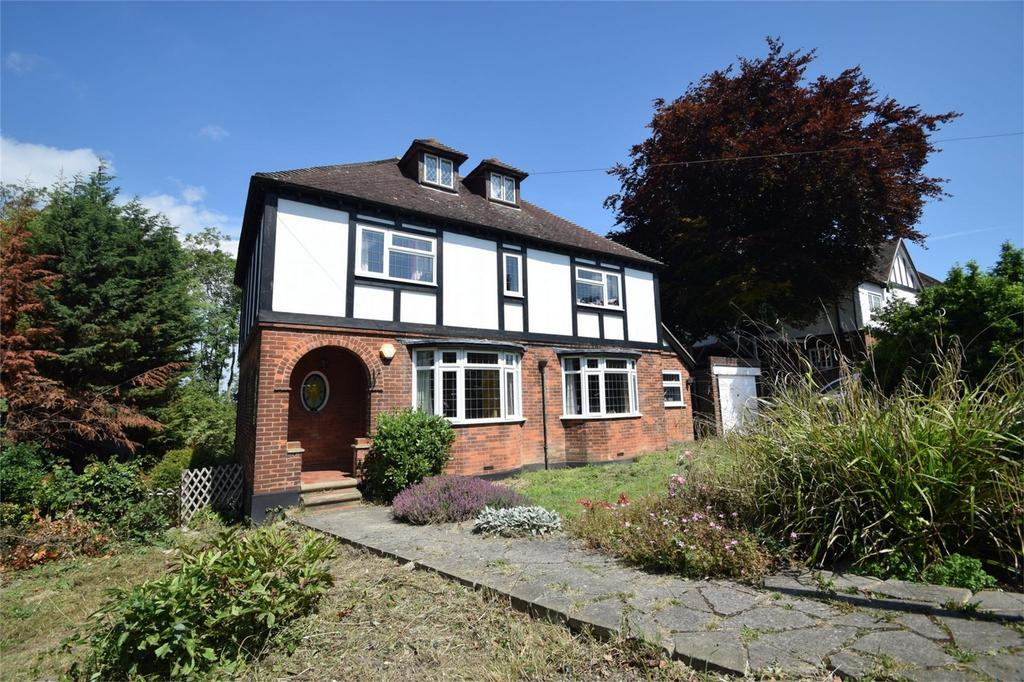 5 Bedrooms Detached House for sale in Priestfields, Rochester, Kent