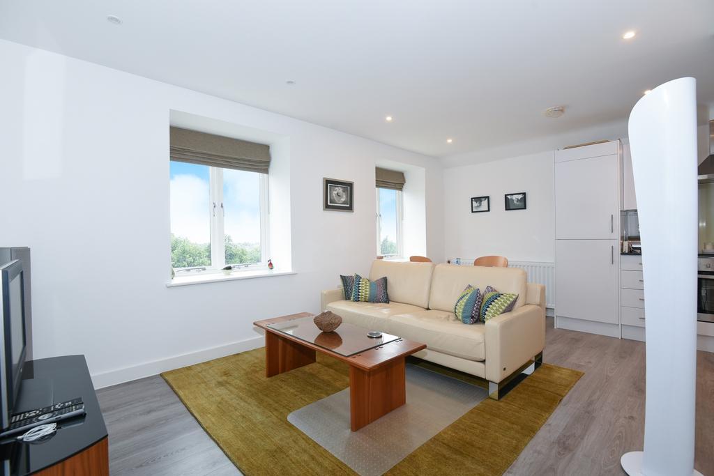 1 Bedroom Flat for sale in Westow Street London SE19