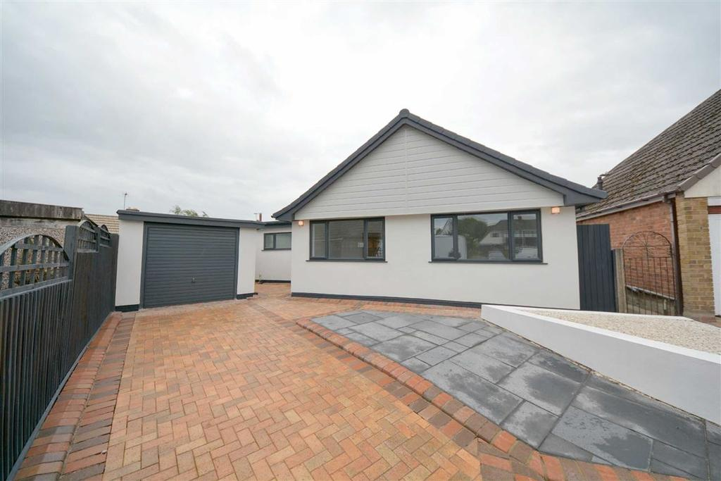 3 Bedrooms Detached Bungalow for sale in Tarn Close, Ashton-in-Makerfield, Wigan, WN4