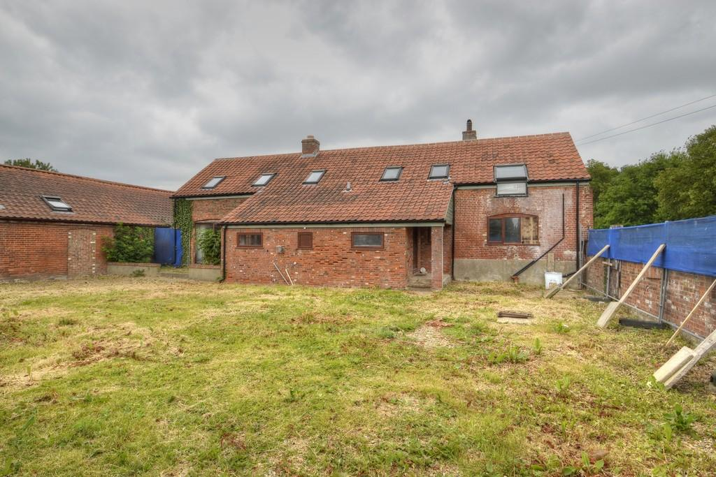 4 Bedrooms Barn Conversion Character Property for sale in Freethorpe, Norfolk