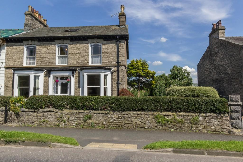 4 Bedrooms End Of Terrace House for sale in Springwell House, 133 Windermere Road, Kendal