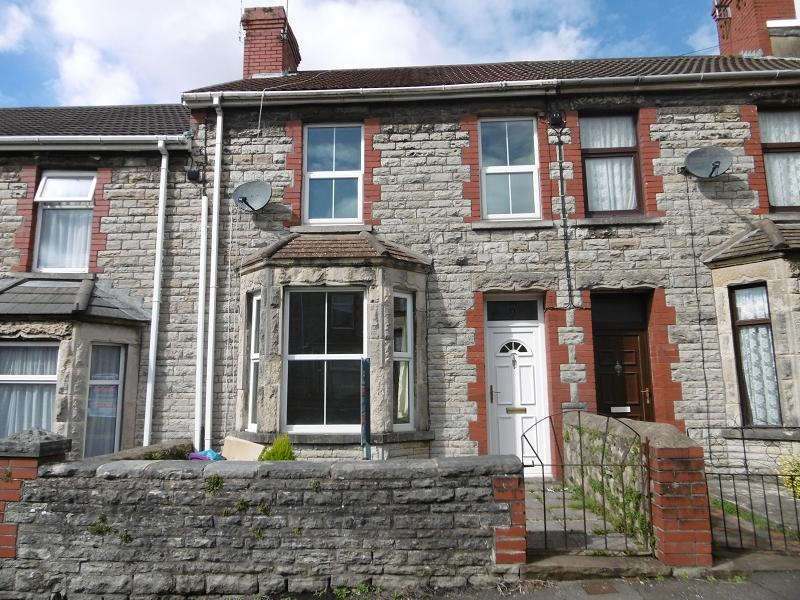 3 Bedrooms Terraced House for sale in Vernon Street, Bridgend, Bridgend.