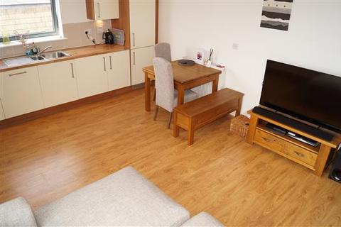 2 bedroom apartment to rent - Lesley Court, Rainsford Road