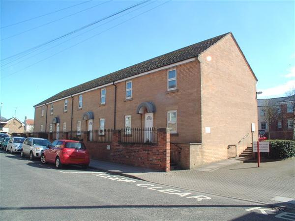 2 Bedrooms Apartment Flat for sale in NEW - Sledmere Court, Filey