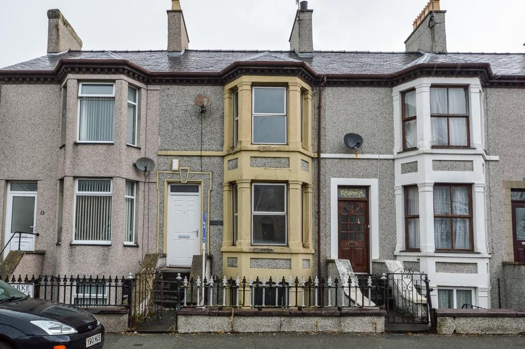 3 Bedrooms Terraced House for sale in Clarke Terrace, Caernarfon, North Wales