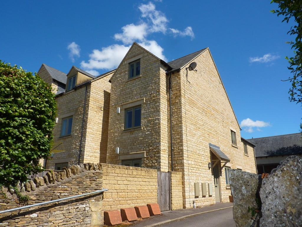 2 Bedrooms Apartment Flat for sale in Churchill Place,Chipping Norton