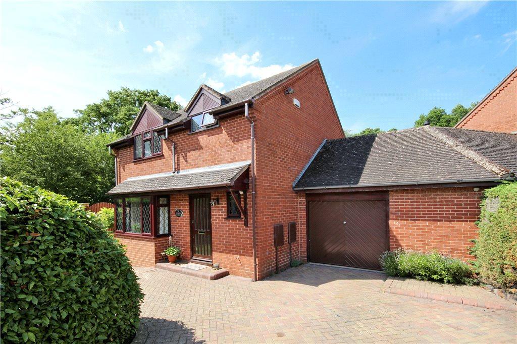 3 Bedrooms Link Detached House for sale in Riverside Gardens, Henley-in-Arden, B95