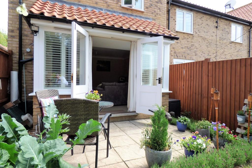 3 Bedrooms End Of Terrace House for sale in Saxon Place, Lakenheath