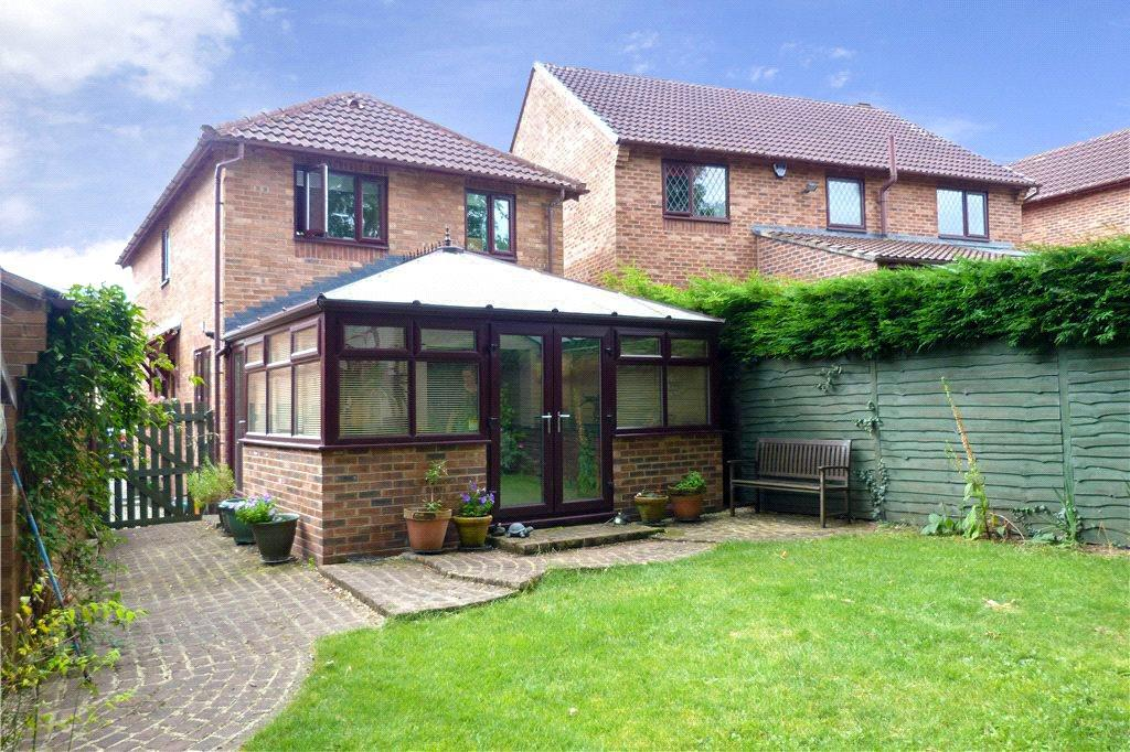 4 Bedrooms Detached House for sale in Ashburn Drive, Wetherby, West Yorkshire
