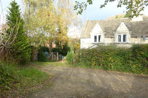 3 bedroom semi-detached house for sale - Meadow Lane, Dudbridge, Stroud, Gloucestershire, GL5