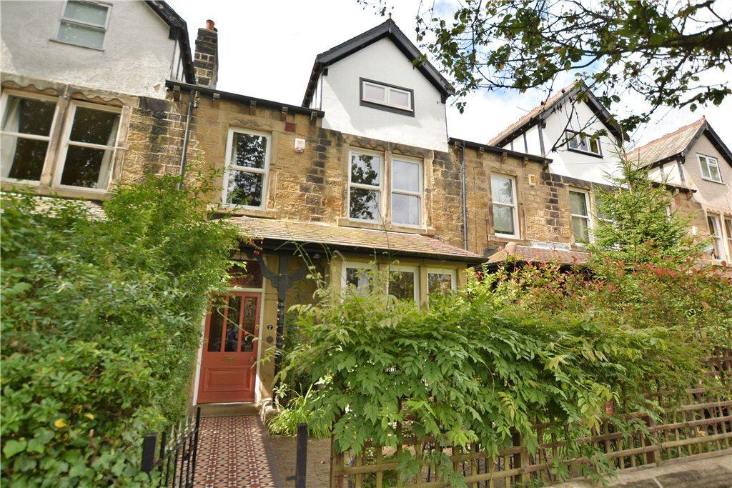 5 Bedrooms Terraced House for sale in Oakwood Drive, Oakwood, Leeds
