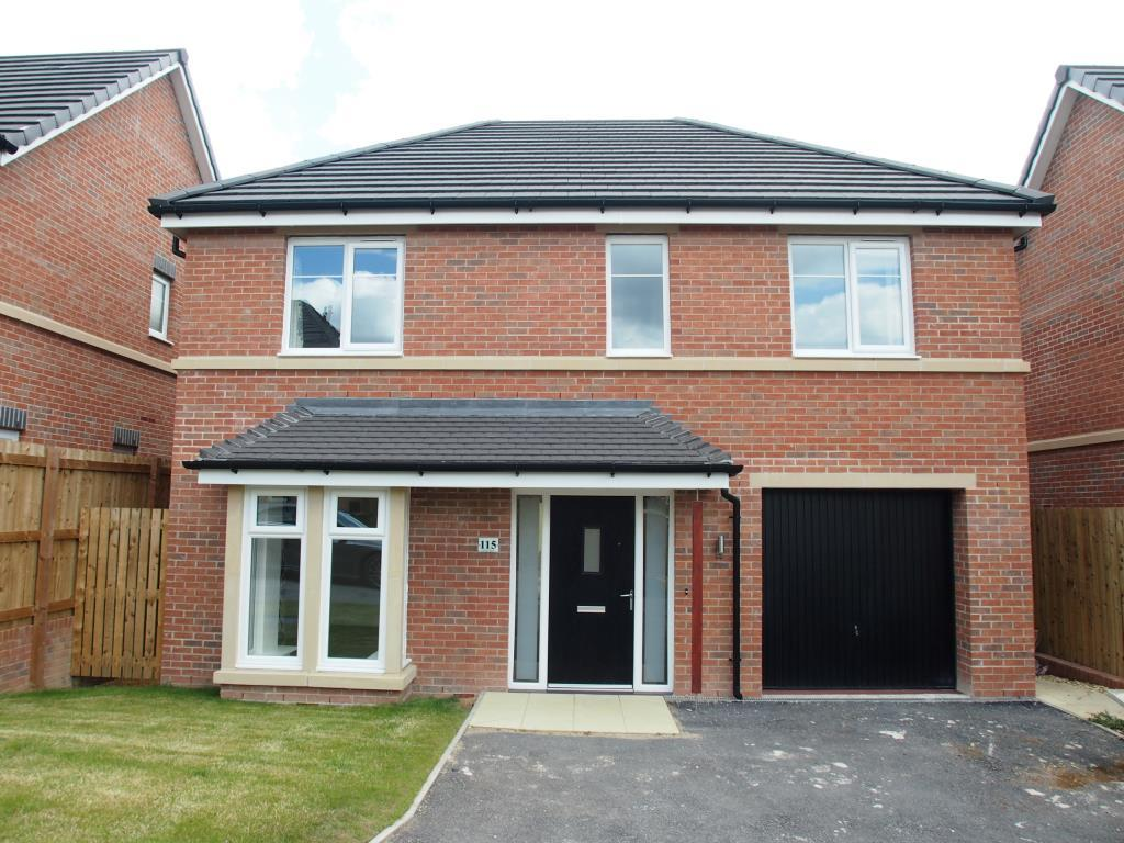 4 Bedrooms Detached House for rent in Leicester Square, Crossgates, Leeds