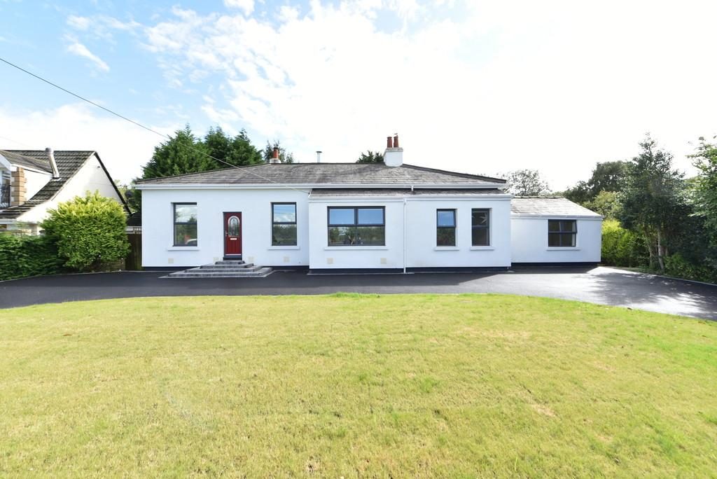 5 Bedrooms Detached House for sale in Butchers Lane, Aughton