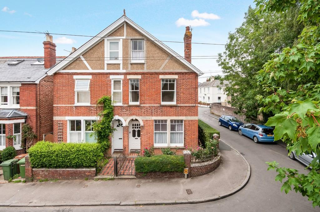 3 Bedrooms Semi Detached House for sale in Vale Road, Southborough