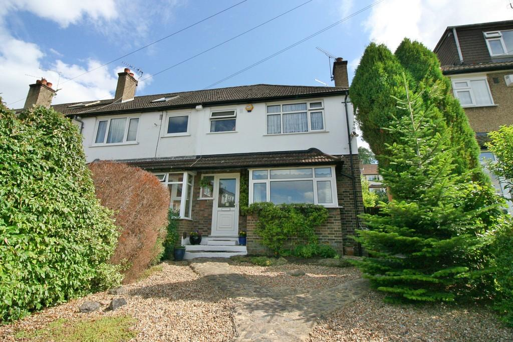 3 Bedrooms Semi Detached House for sale in Westleigh Avenue, Coulsdon