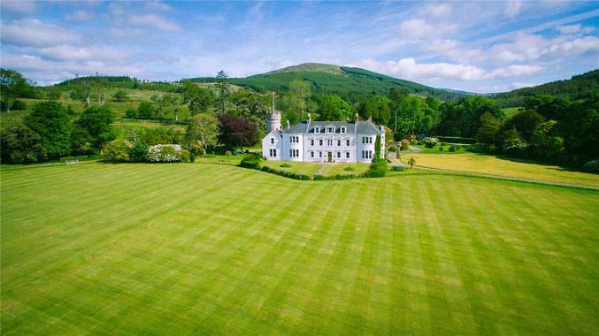 Image 1 of 40  Picture No  01. Toward  Dunoon  Argyll 12 bed country house    1 875 000