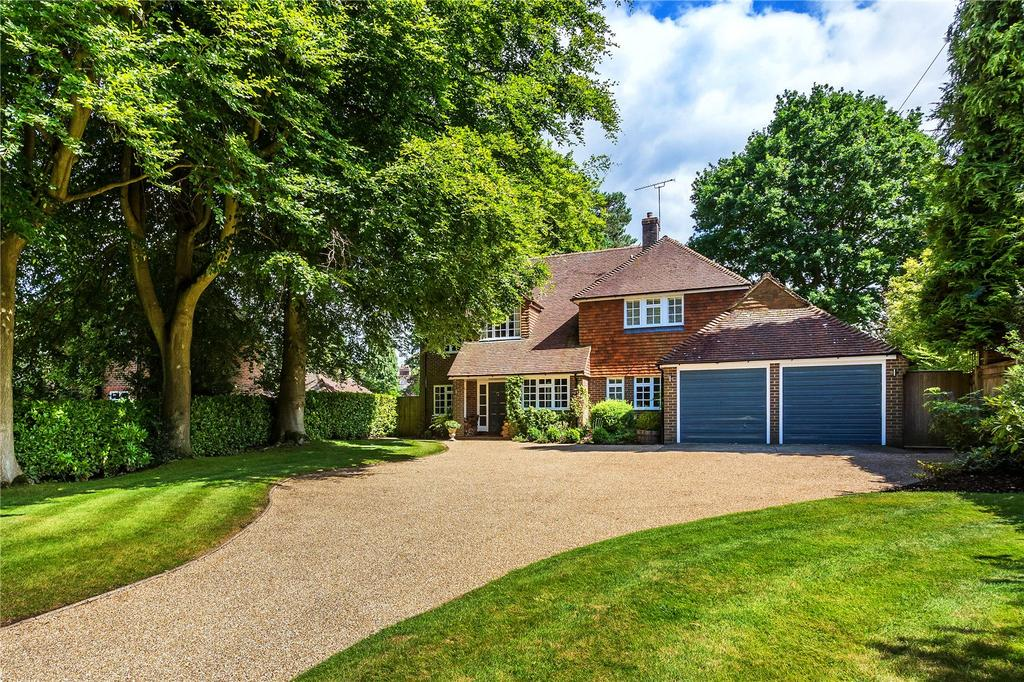 5 Bedrooms Detached House for sale in Great Austins, Farnham, Surrey
