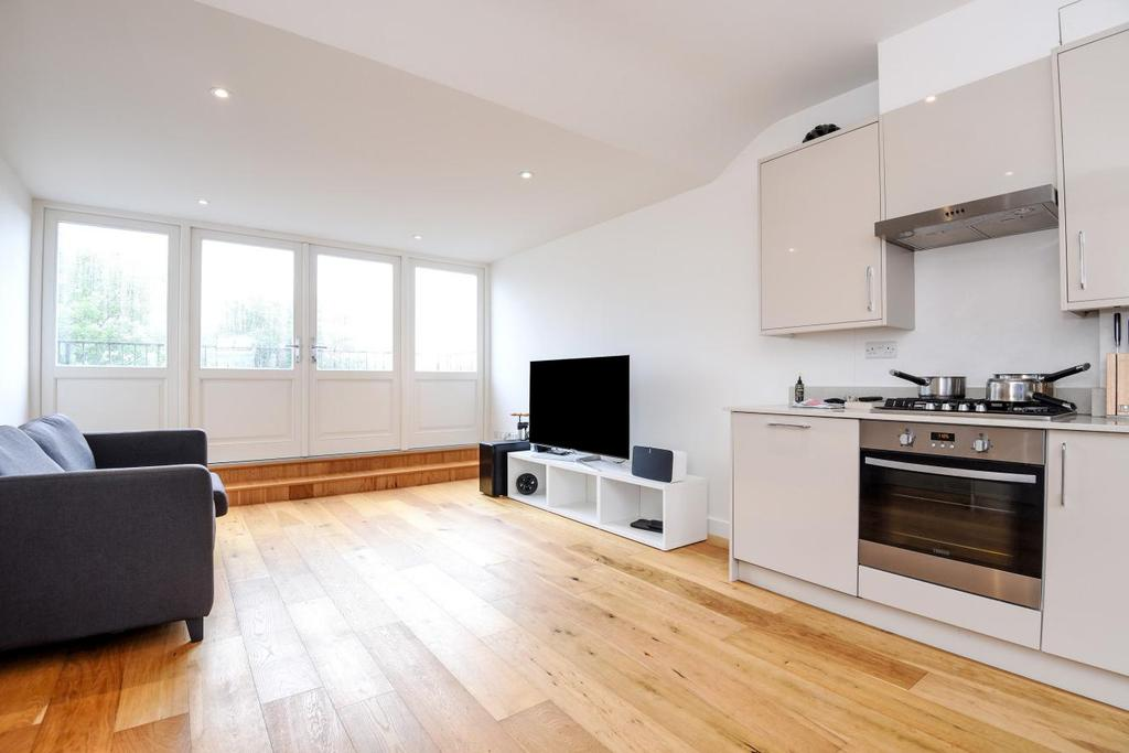 1 Bedroom Flat for sale in Balham High Road, Balham, SW17